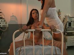 Mandy Bright tie a sexy naked patient on hospital bed
