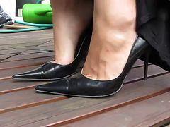 Sexy MILFY feet in black heels